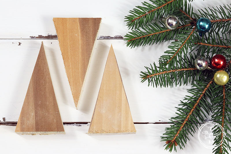 Quick and Easy DIY Farmhouse Christmas Ornaments that are just waiting for you to make them by the dozens! They have great Fixer Upper Style! Enjoy & Create