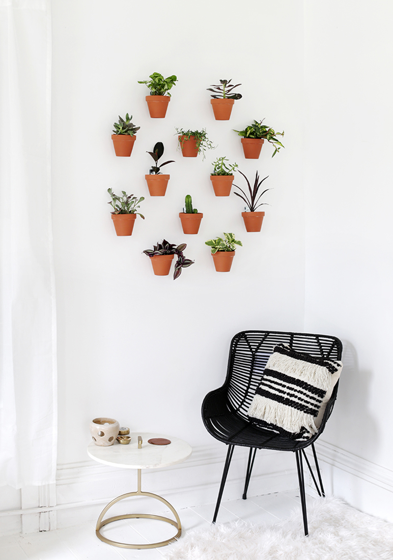 The Best Indoor Gardens with Tons of Style are just waiting for you to be inspired by them! Indoor Gardens are becoming more and more popular! Create Enjoy!