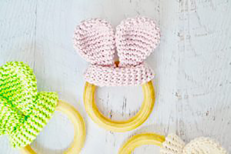 Here are som Fresh and Fabulous Crafts To Make This Weekend! Happy creations for you... the kids and even a purrfect craft for your Kitty!