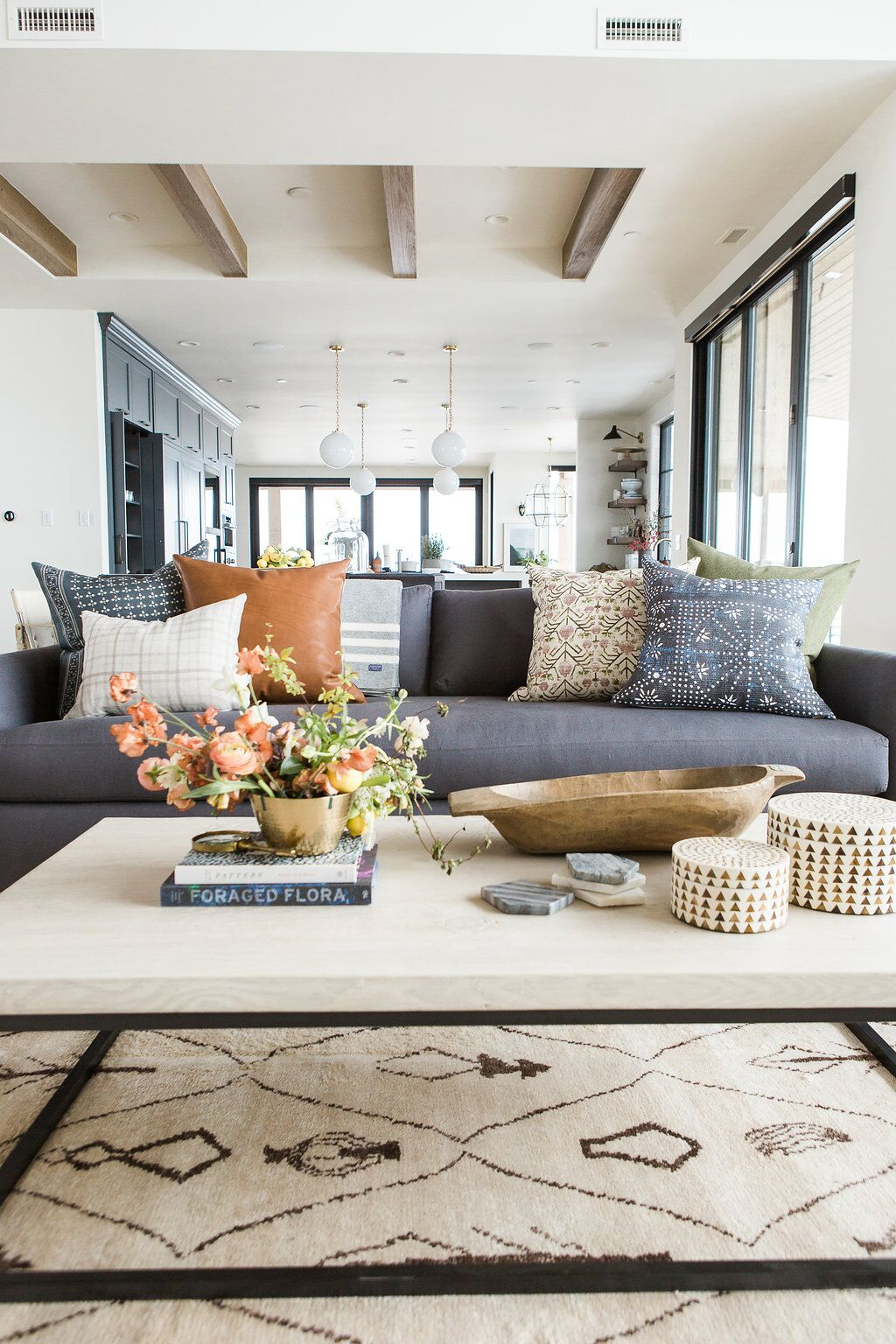 Simple Ways To Update Your Farmhouse Living Room. You are going to find a ton of inspiration on different ways to give your space a refresh! Enjoy!