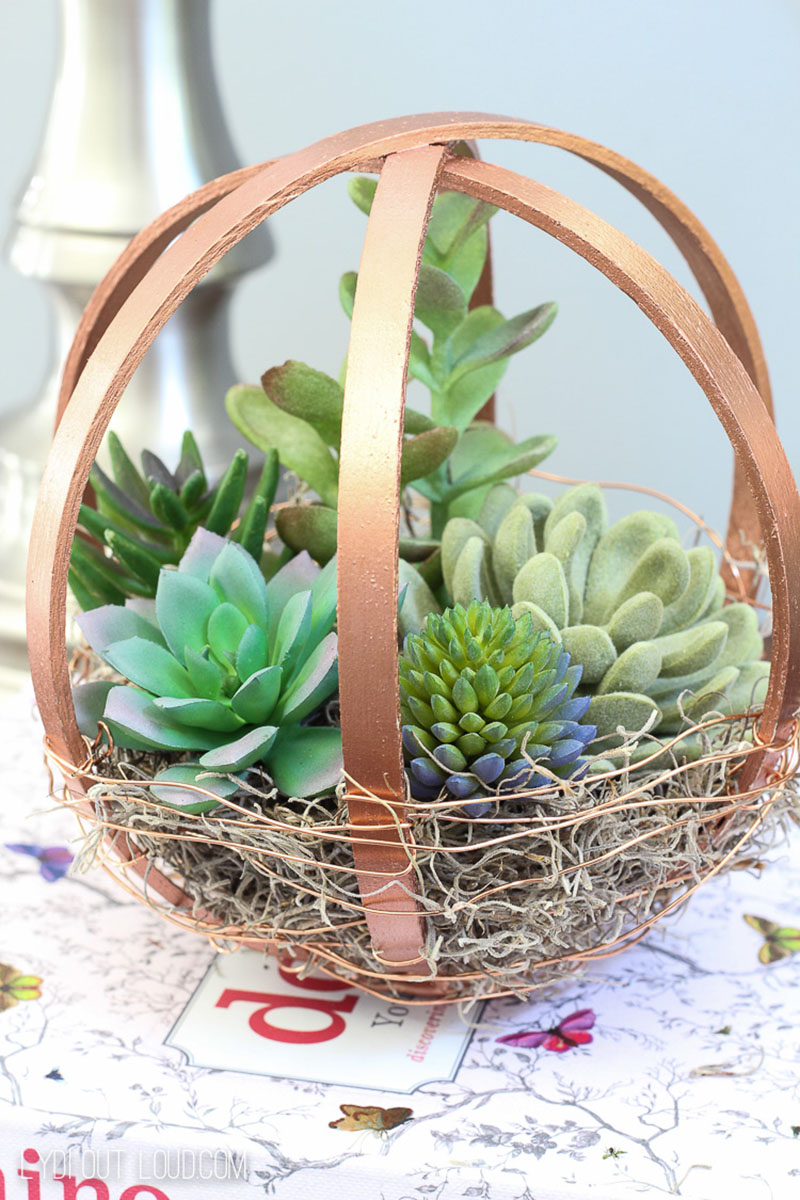 These Quick and Easy Crafts with a Farmhouse Flair are so simple and budget friendly. You are going to want to try making them all!