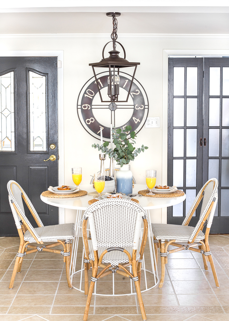 Fresh and Fabulous Farmhouse DIYS and Ideas that will give you tons of Ideas... Inspirations and there are excellent DIY Tutorials. All Fresh off the Press!