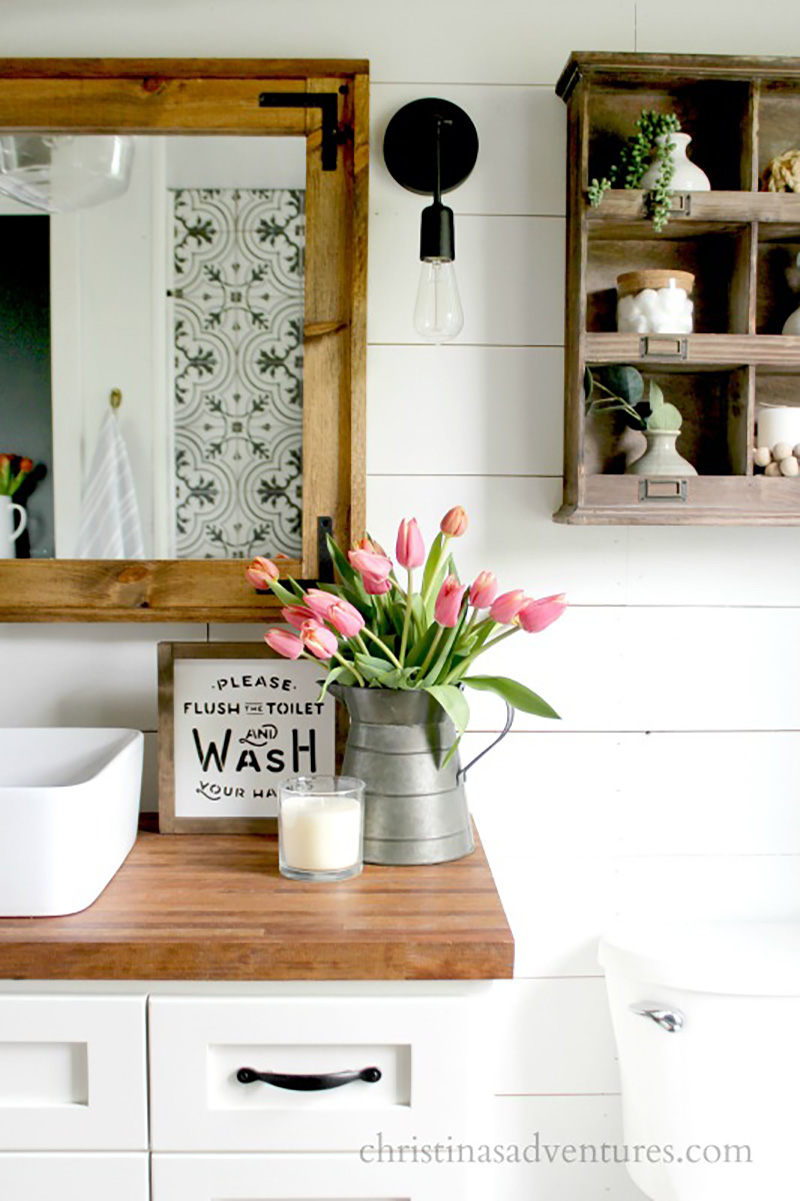 Simple Ways to Update Your Farmhouse Bathroom are waiting for you! Most of the ideas and DIYs are quick... easy and budget friendly so enjoy!