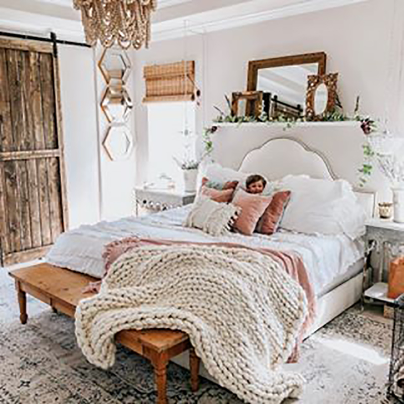 Decorating With Mirrors Farmhouse Style is a totally fun way to make your room look larger and to add a touch of charm and fun to your space!