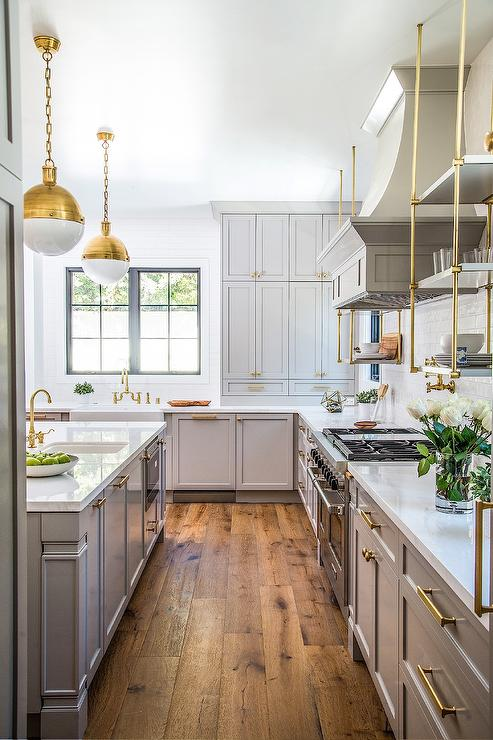 6 Home Decor Tips To Create A Modern Farmhouse are waiting for you today! They are very simple... direct and doable one at a time. Work at your own pace!