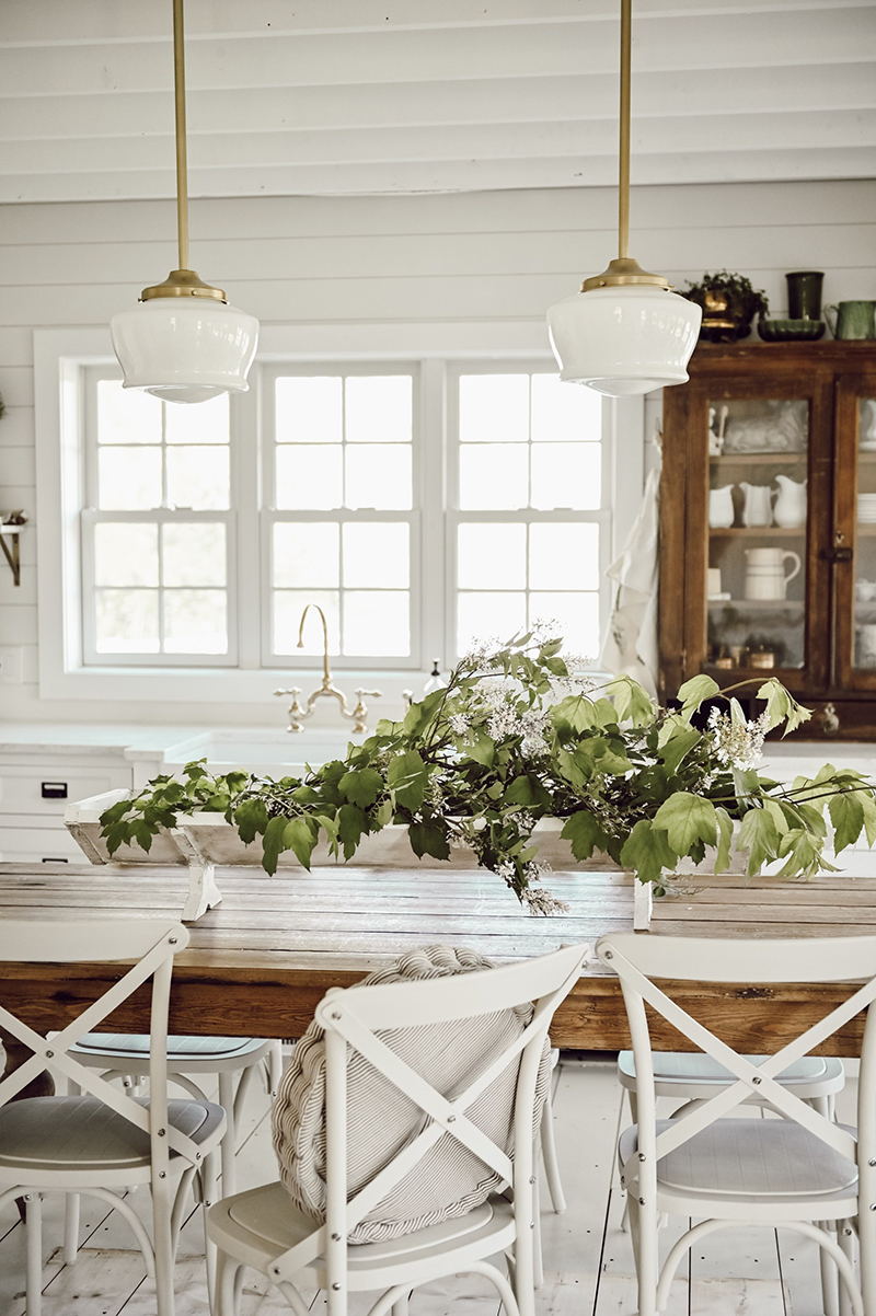 Fabulous and Fresh Farmhouse DIYS And Ideas are waiting to inspire you to create. All the newest happenings in the Farmhouse World all in one place! Enjoy!