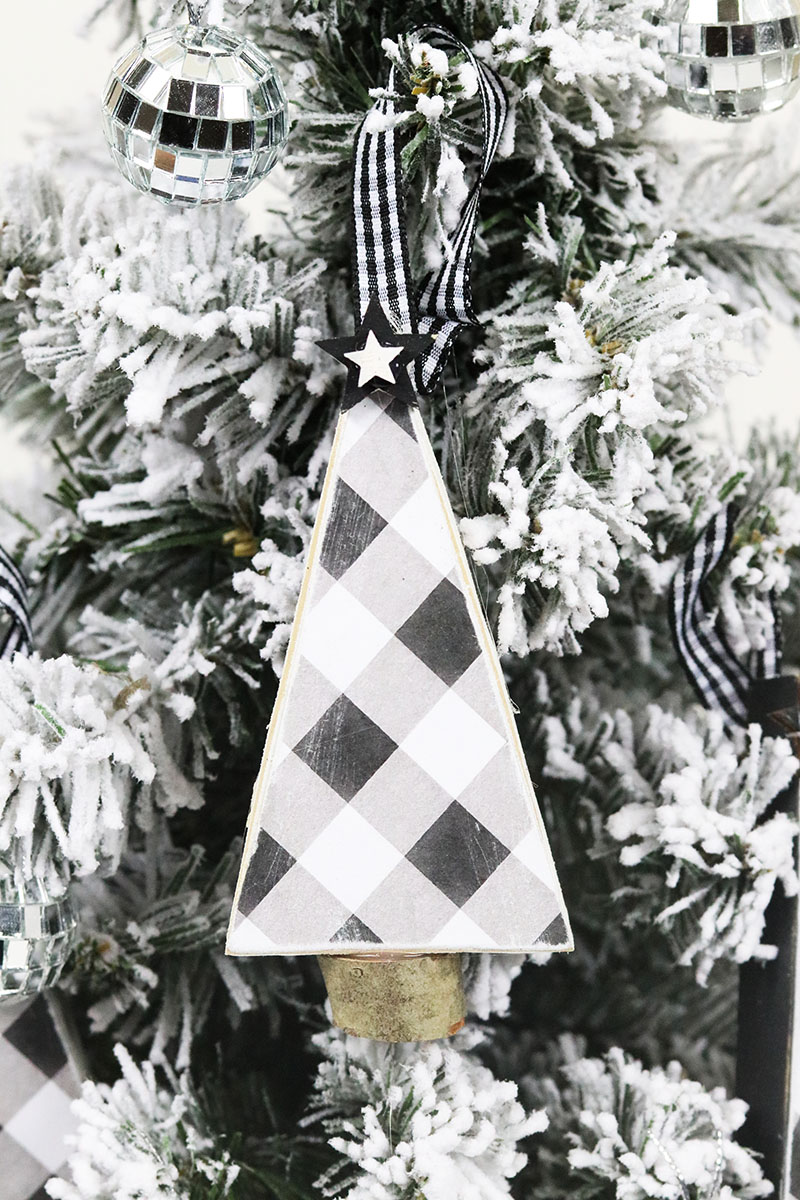 It's time for a Quick & Easy Farmhouse Buffalo Plaid Christmas Ornament DIY Craft & Free Printables that I know you will all love and want to make for your own tree!