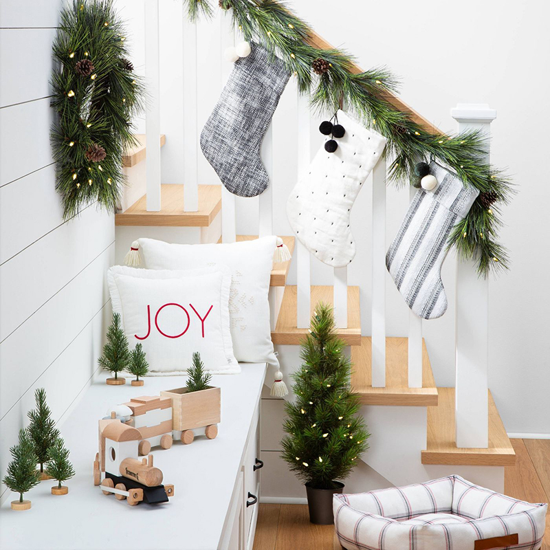 Today we have a Great Collection of Target & Walmart Farmhouse Christmas Finds Under $25! These little pretties will help you finish off your decorating in true Farmhouse Style.