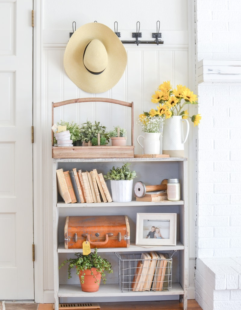 These Charming and Budget Friendly Farmhouse Entryway Ideas and Inspirations will have you craving to update your own space.