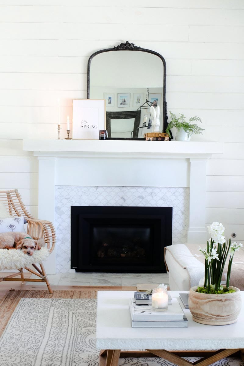 These Simple Fresh Farmhouse Spring Mantel Ideas could be just what you have been looking for.  They have a wonderful Modern Farmhouse Vibe I know you will love.