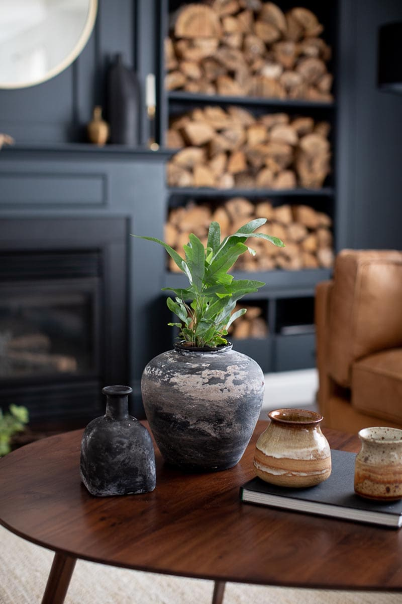 These Thirty Minute Farmhouse DIY Crafts are just what everyone needs to take their minds off these troubled times and add a smile to the home.