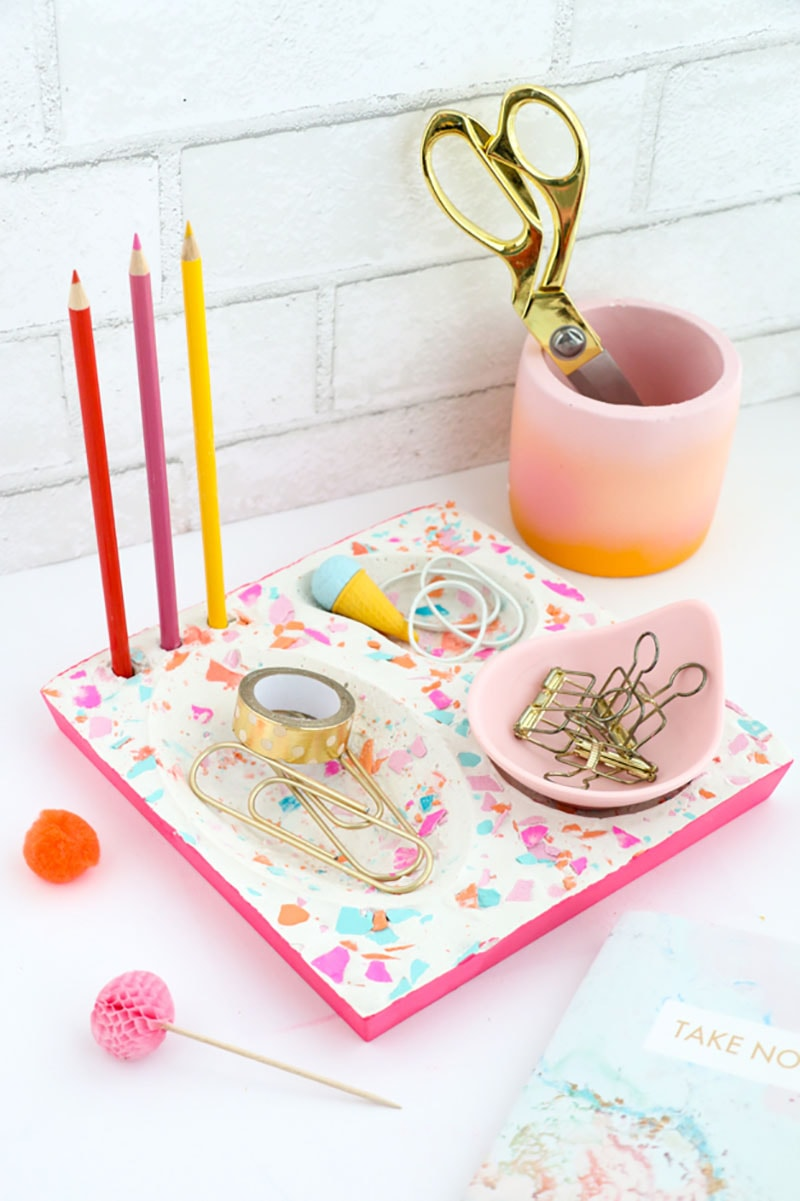 Come and see how simple it is to Pretty Up Your Desk With These DIY Desk Accessories!  Each one will bring a special smile to your space!