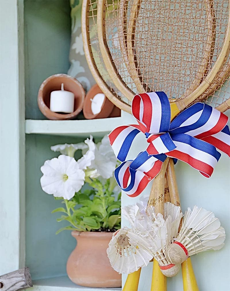 These Explosive Patriotic Farmhouse Thrift Store Makeovers are going to Inspire you to create your own original diy project that will be amazing!