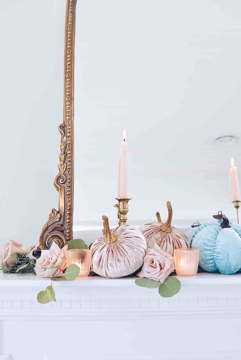 Come and check out these Quick and Easy Fall Kitchen Decorating Ideas with Farmhouse Style that will put a smile on your space! You don't need much time at all and the touches are very budget friendly!