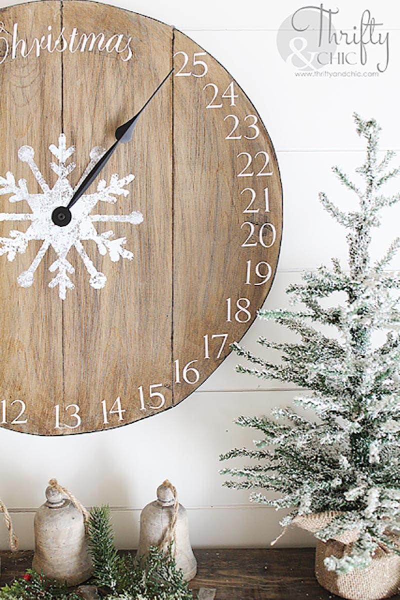 These Fun Farmhouse DIY Christmas Projects are easy to make and they will add a ton of charm to your fabulous home in a snap of a finger!