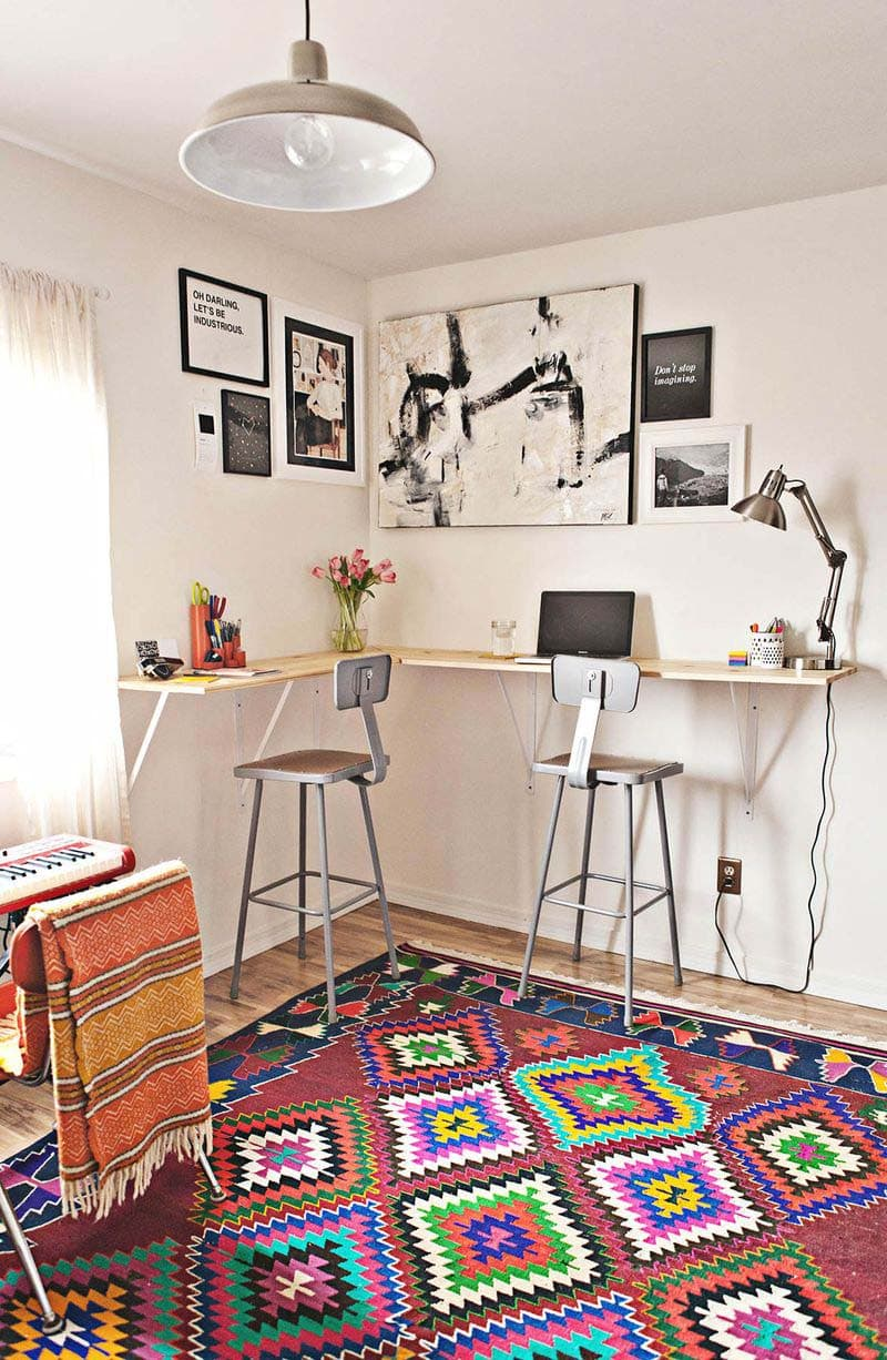 These Amazing Small Office Spaces are actually little creations you can probably find room for in your Home or Apartment with just a little rearranging.