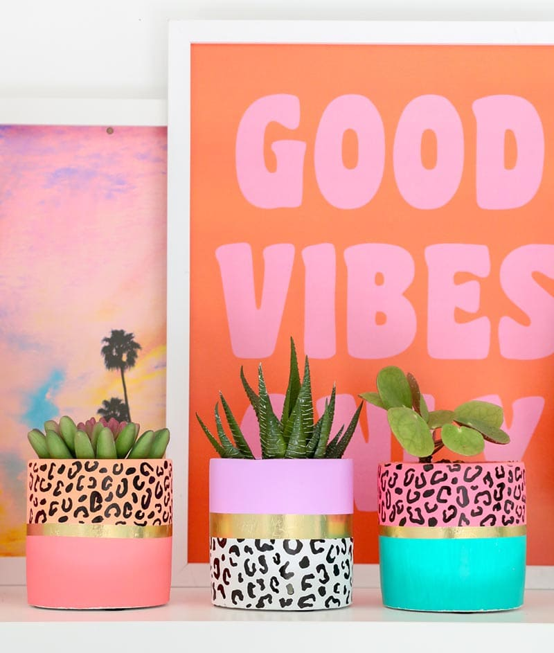 These Fabulous DIY Teen Gifts are going to be a hit this year! No matter how fussy your teen may be, they will love these amazing gifts!