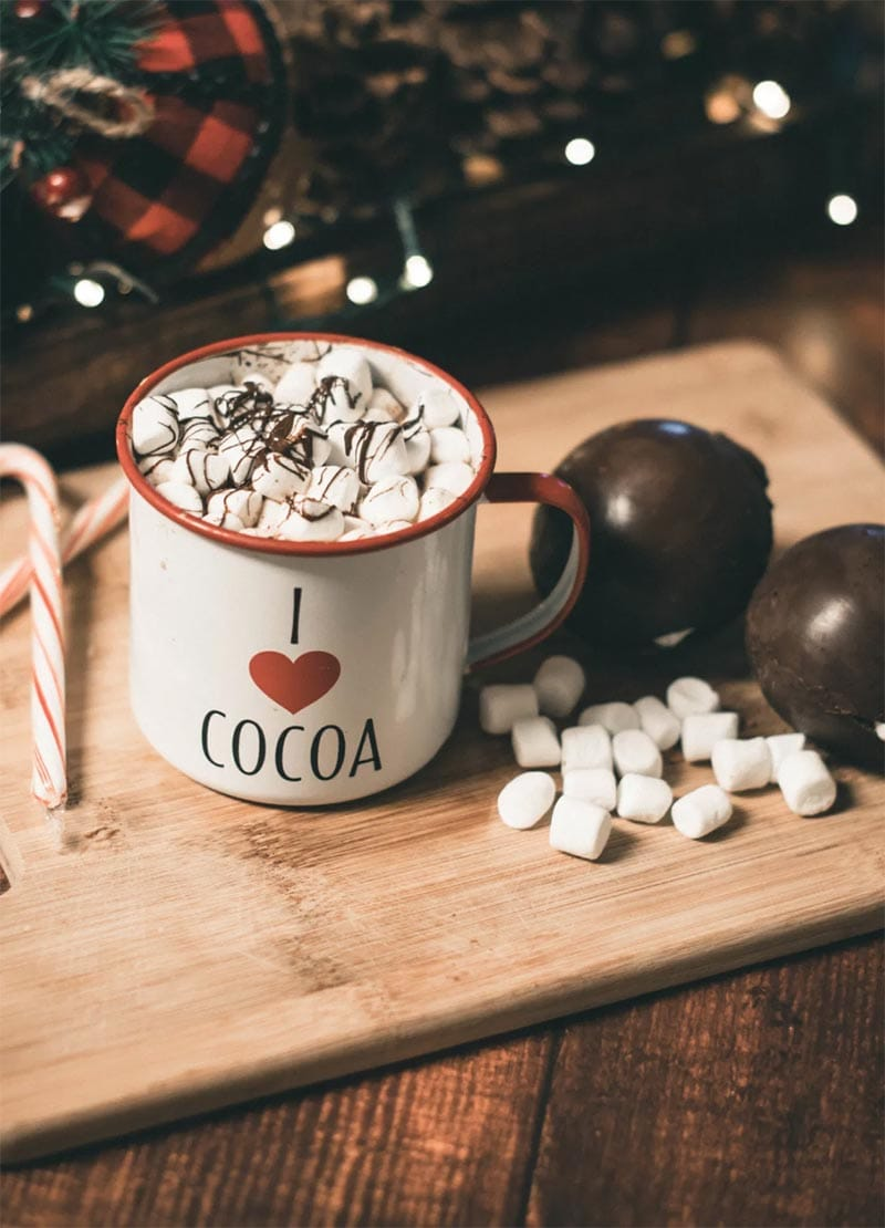 This Tasty Collection of Hot Chocolate Bombs is going to make you, family and friends very happy. Tons of recipes that taste simply amazing!