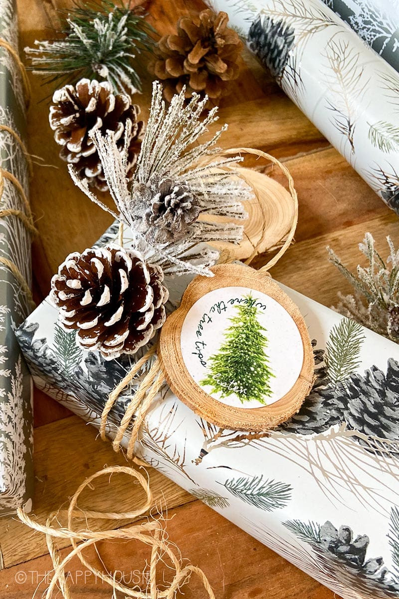 Fabulous and Fresh Holiday Farmhouse DIYS and Ideas …are waiting to inspire you to create. All the newest projects in the Farmhouse World all in one place to enjoy!
