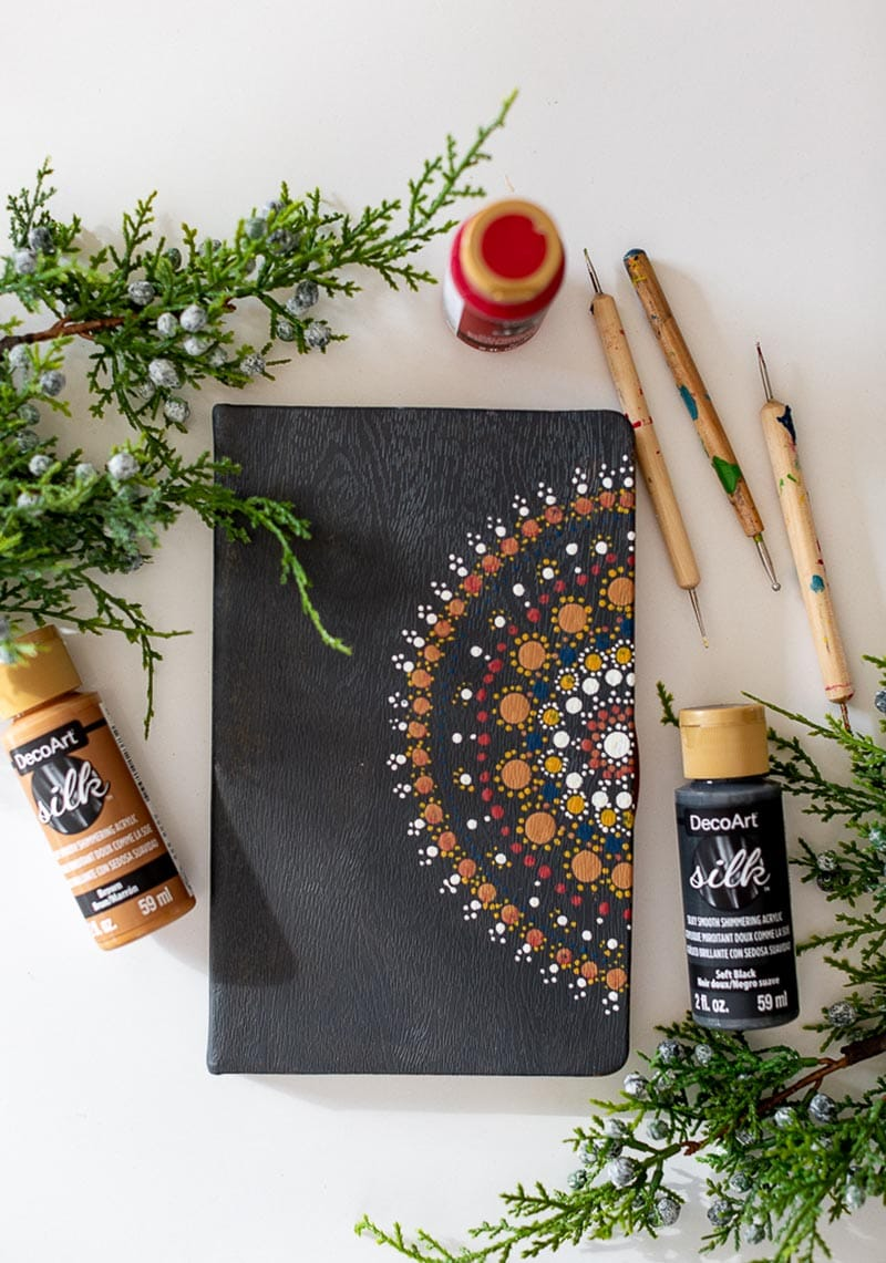 It is time for some Fresh and Trendy DIY Crafts To Make This Weekend. We are back with a NEW YEAR!!! So many inspirational Crafts are waiting for you to choose from. One is perfect to make this weekend!