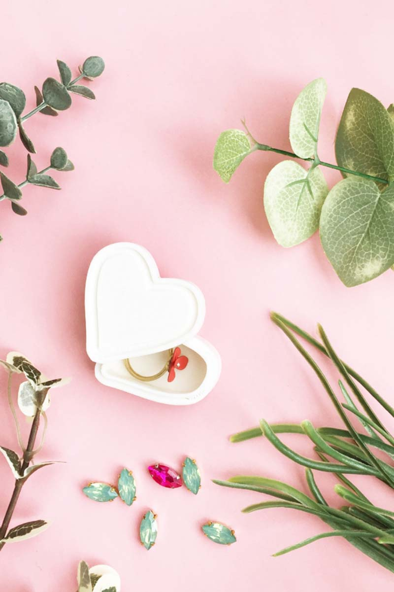 We are closing out the New Year and taking a peek back at The Best Of Fresh And Trendy DIY Valentine's Day Crafts that you can make for the New Year!