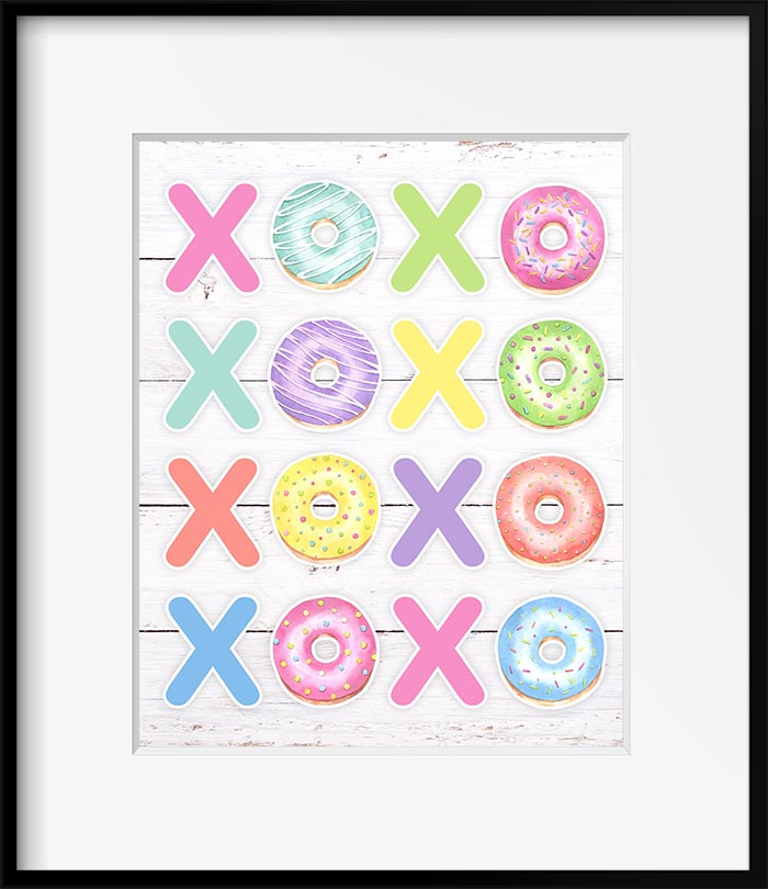 Hugs and Kisses Free Printable Wall Art is a guaranteed way to add a touch of love and a whole bunch of smiles to your space!