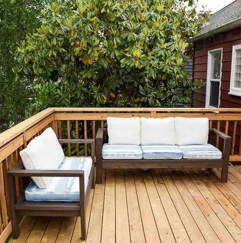 Here is a collection of Fabulous Outdoor DIY 2X4 Furniture Projects that will save you tons!  Each piece is amazing and your budget will never feel the pinch but your yard will look incredible!