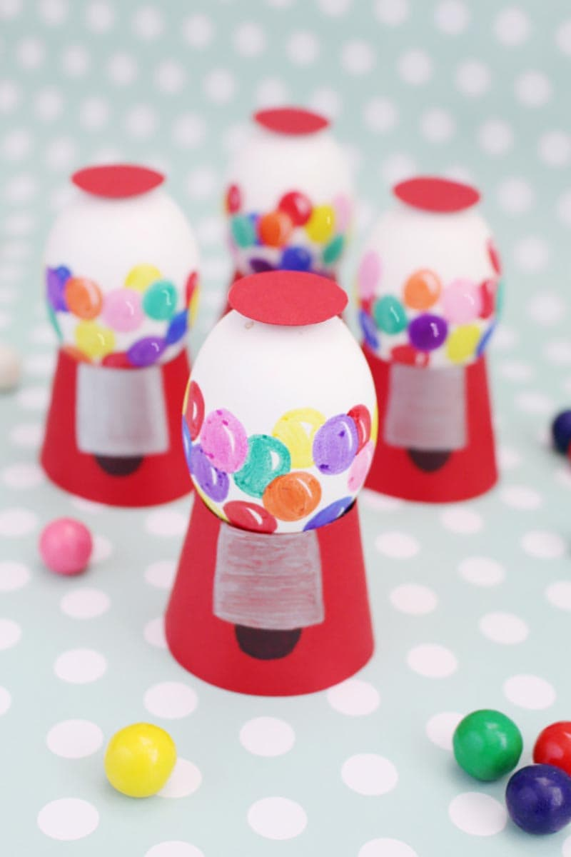 60 Plus Creative DIY Easter Egg Decorating Projects are waiting for you and your family to create! Find the ones that make you all smile and let the fun begin!