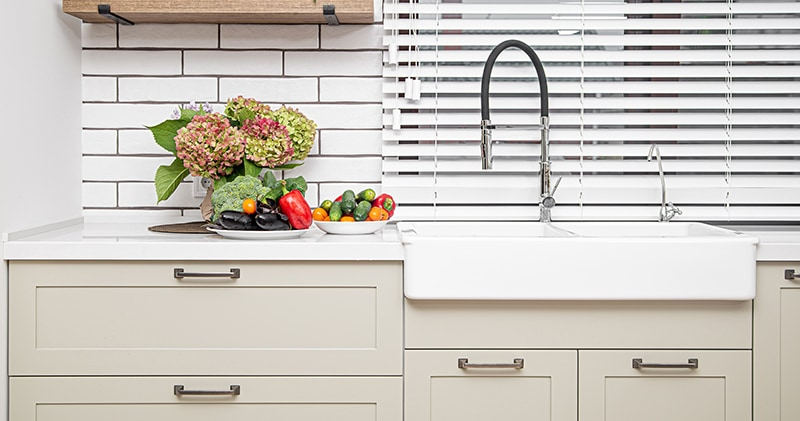 You have to check out these 5 Inexpensive Ways To Give Your Home A Facelift. Something so simple and budget friendly can make such a difference!