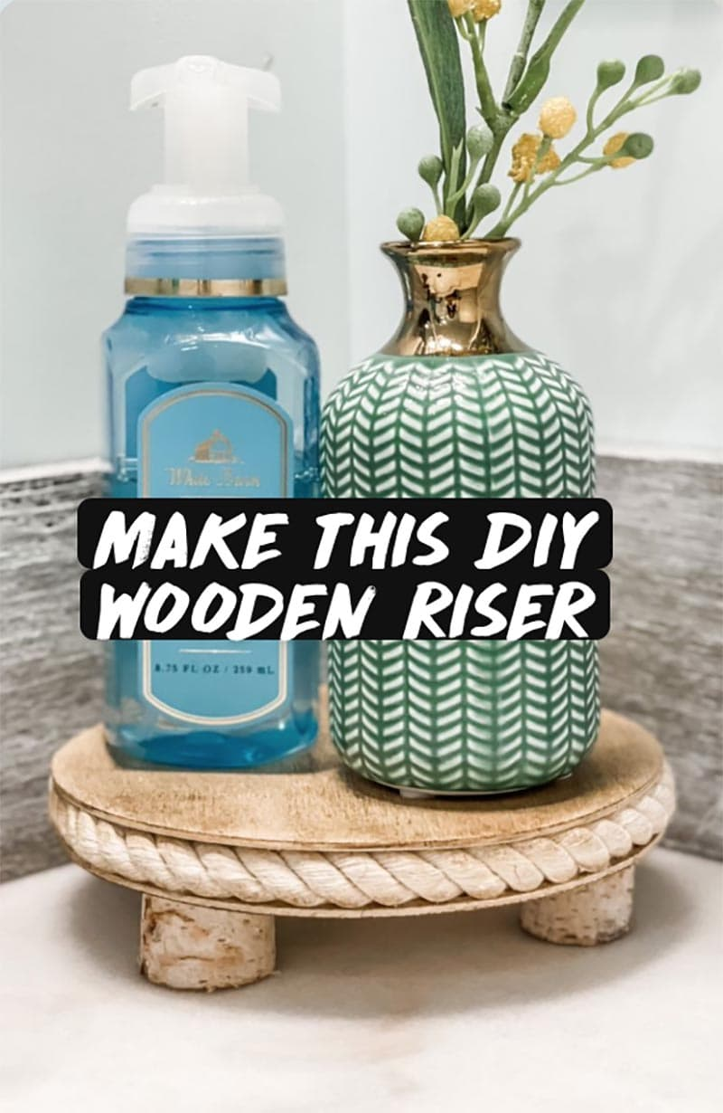 These Fabulous Coastal Farmhouse DIY Projects will have your home oozing with Beachy Coastal Farmhouse Charm! Quick and Easy DIYS that will have you swear the waves are crashing on the Beach!