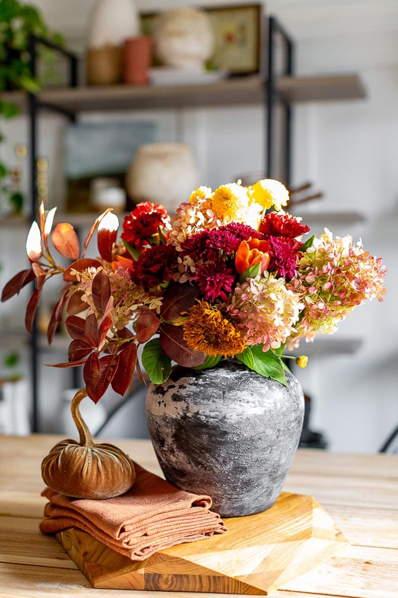 The Fall Season is right around the corner and if you are planning to entertain here are some Things To Consider for a Fall Party.