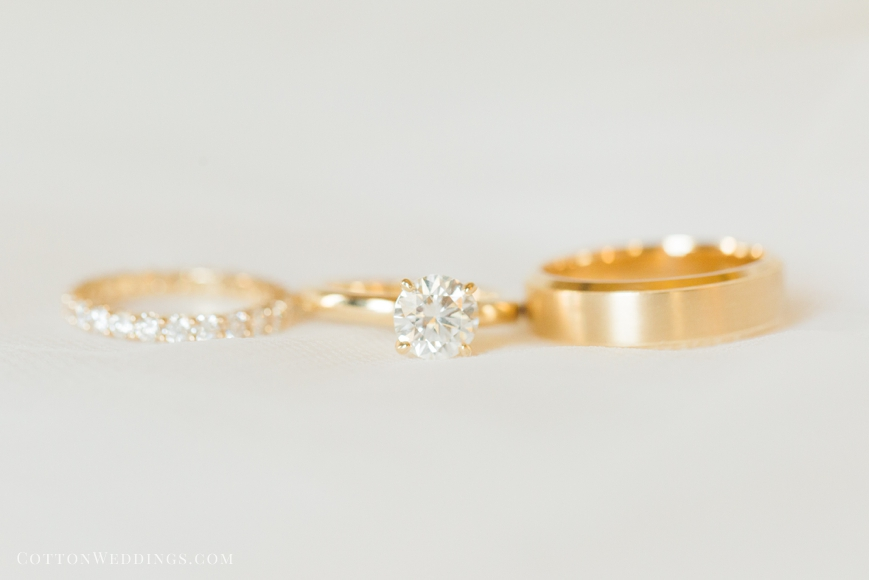 gold solitaire diamond ring wedding band