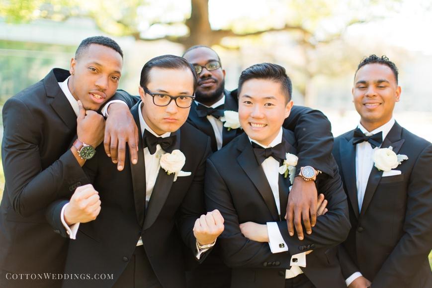 funny groom with groomsmen