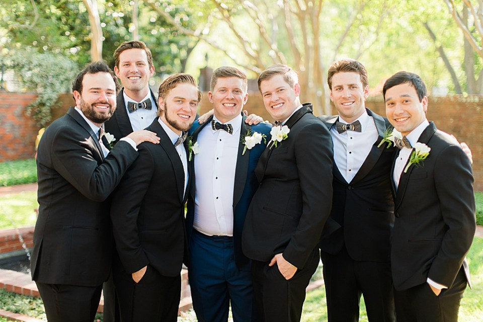 groom and groomsmen wedding day