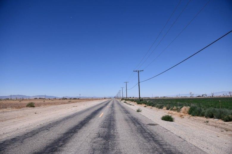 Imagen de una carretera vacía en Lancaster. Julio de 2021.