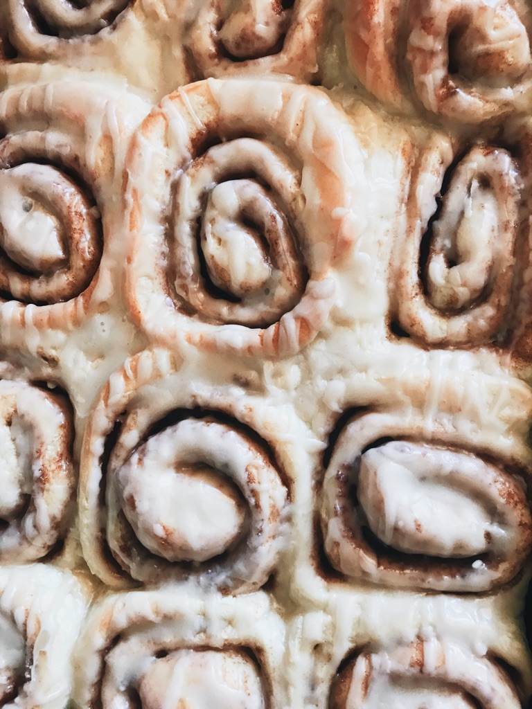 A Cozie Recipe: Soft Gooey Cinnamon Rolls