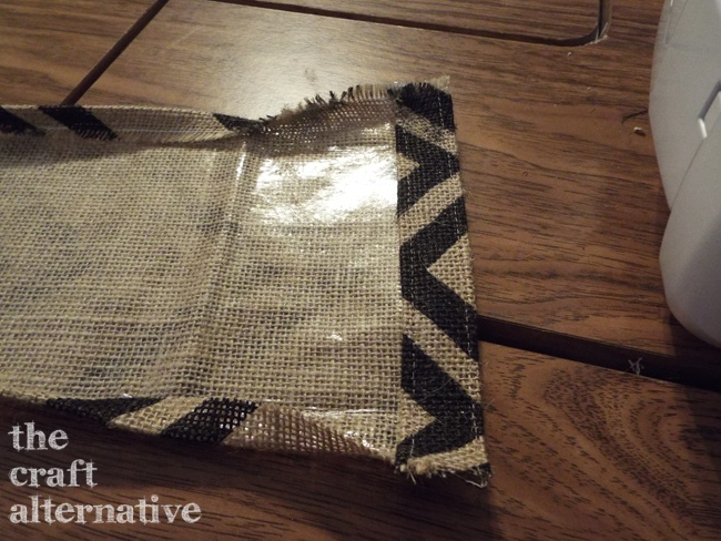 How to Make a Lined Burlap Lunch Bag_Gusset Hem