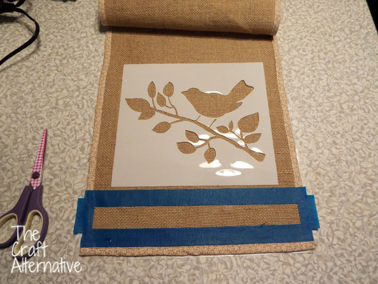 Painted Burlap Table Runner_Stencil
