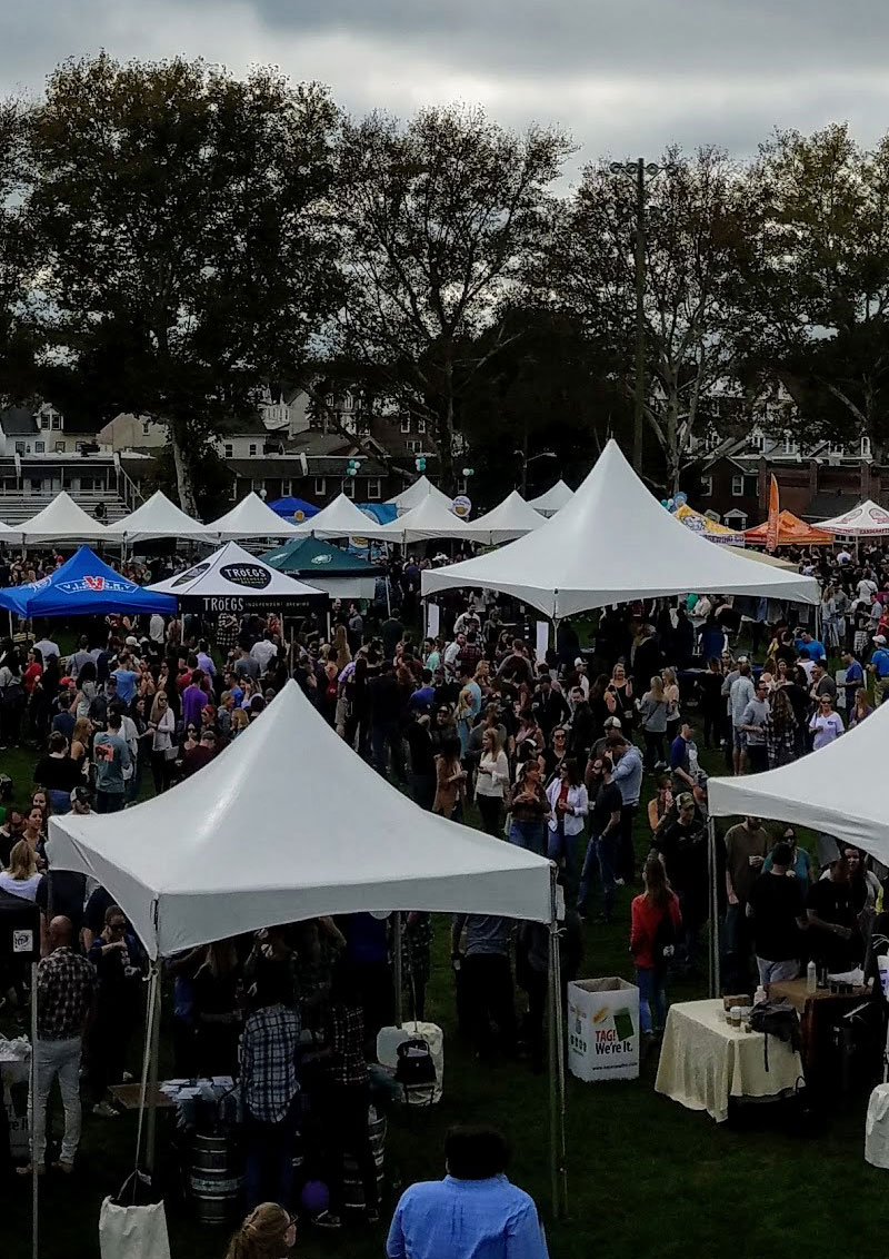 This annual event, benefiting the local community through the Rotary club, was incredibly enjoyable, full of excellent local craft breweries. Click through for the full event recap and beer reviews.