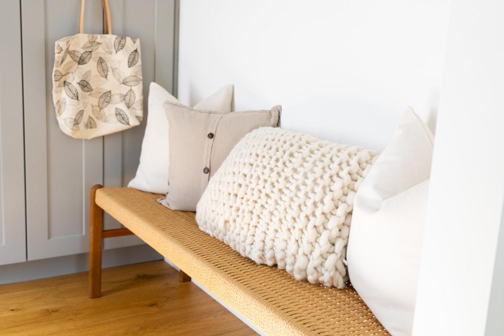 a chunky knit merino pillow kit