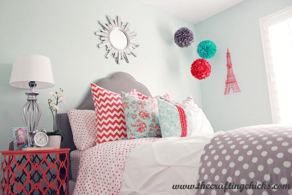 El color coral en el dormitorio