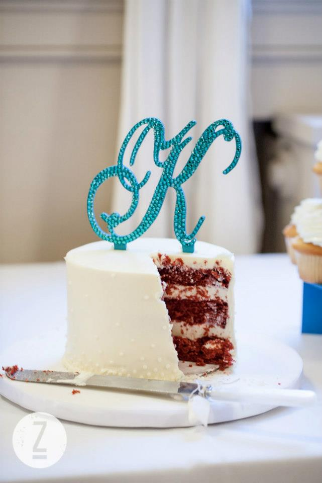 8. DIY Wedding: Monogram Cake Topper (4/5)