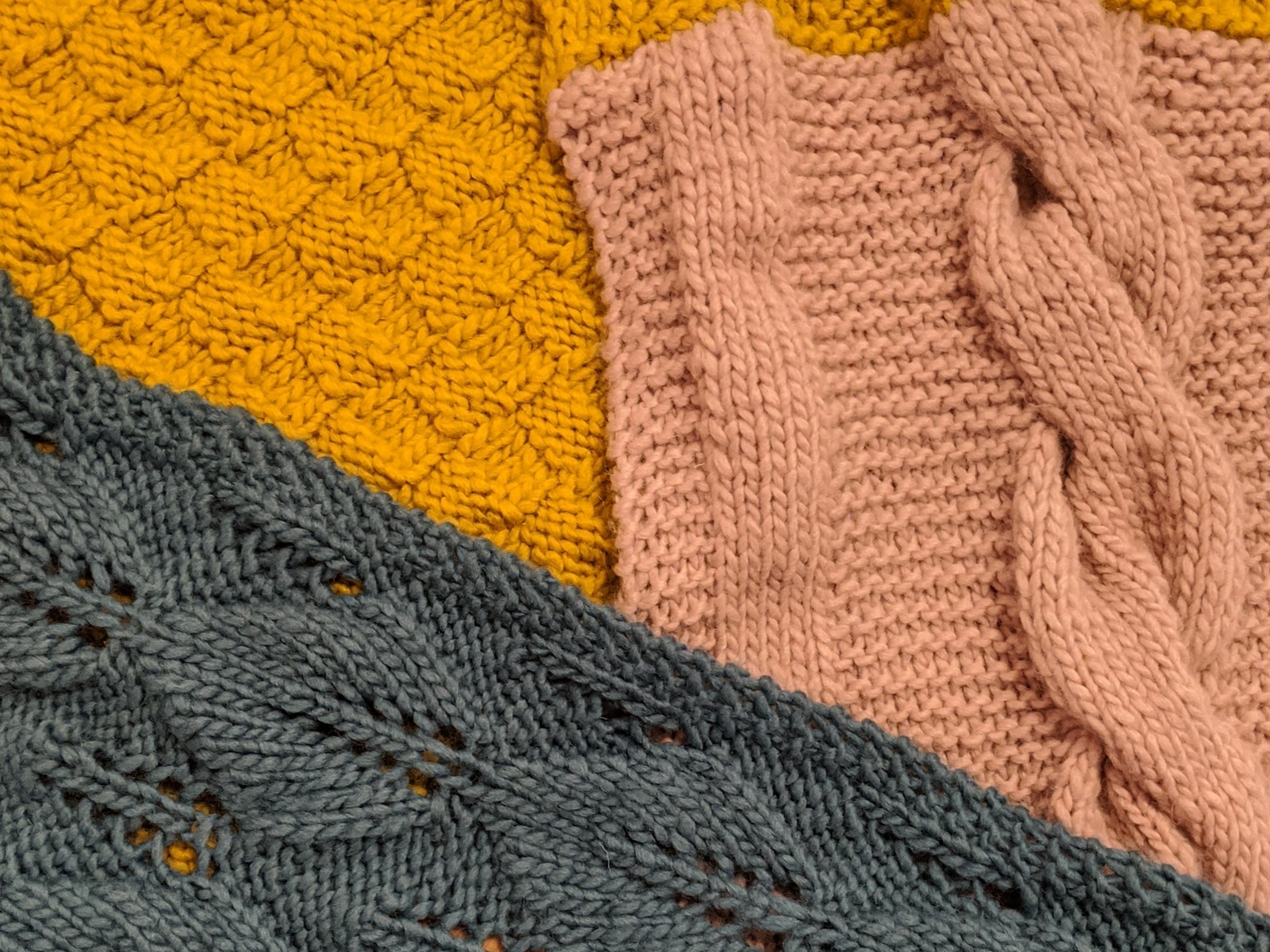 Sections of different texture knitting
