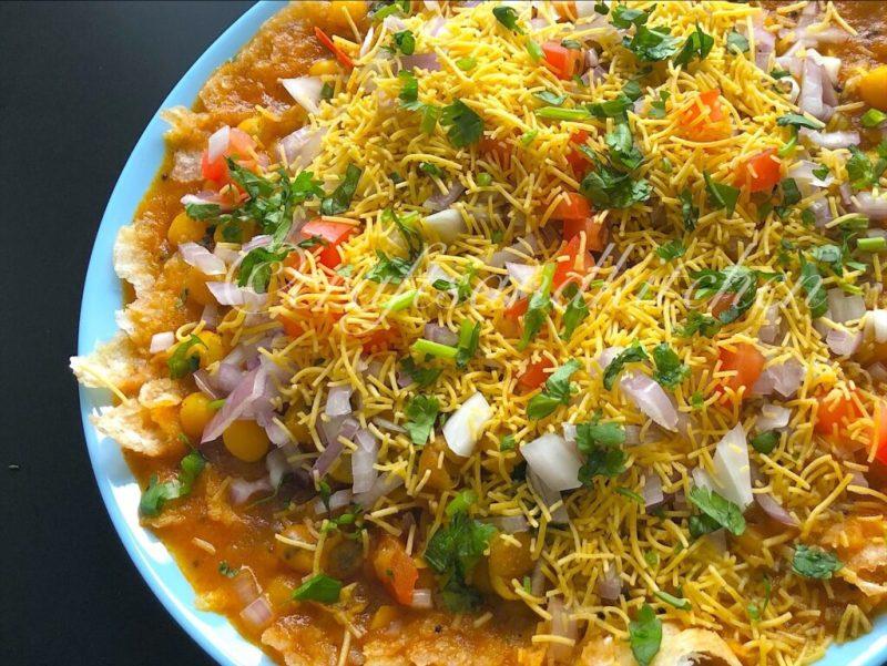 Matar Chaat | Ragda Chaat | White Peas Gravy Chaat