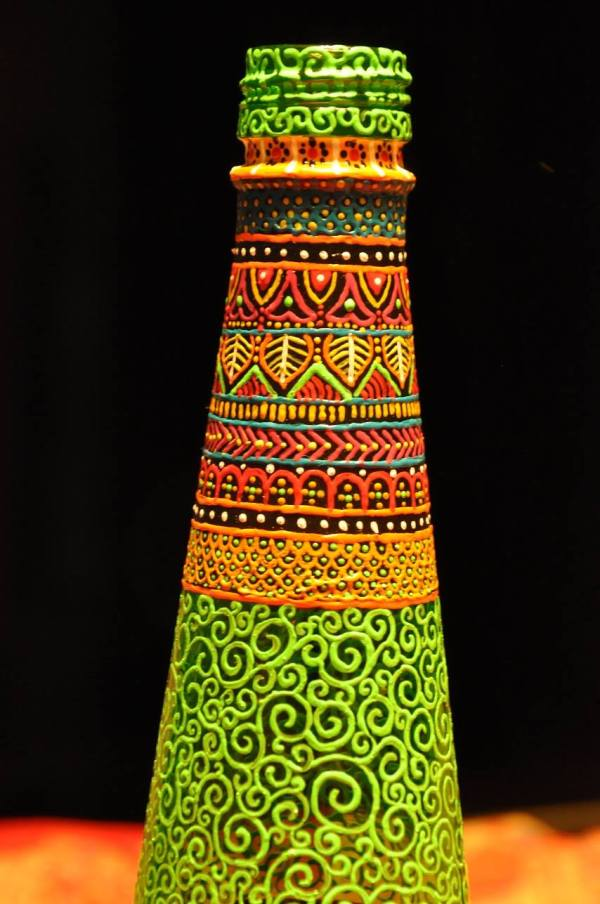 madhukari bottle art
