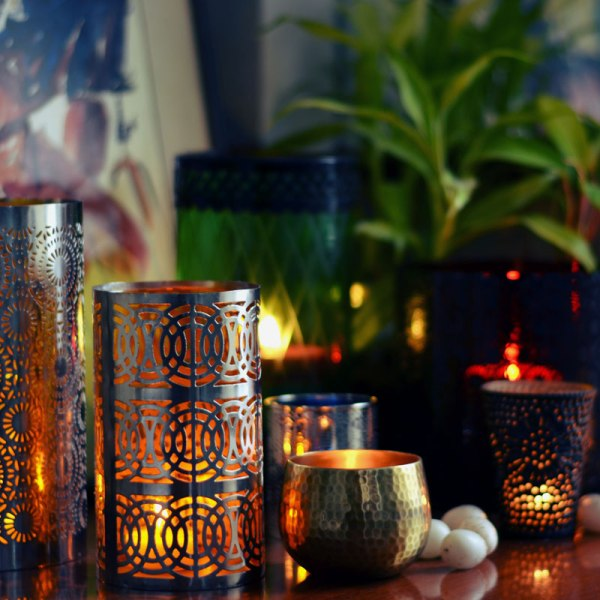 decorate home interior with candles