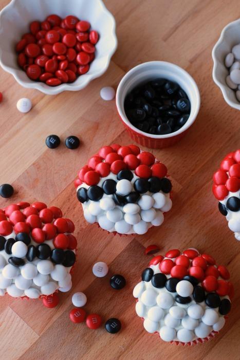 Pokemon Go Pokeball Cupcakes