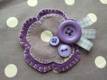 6. Doodlemakes flower brooch