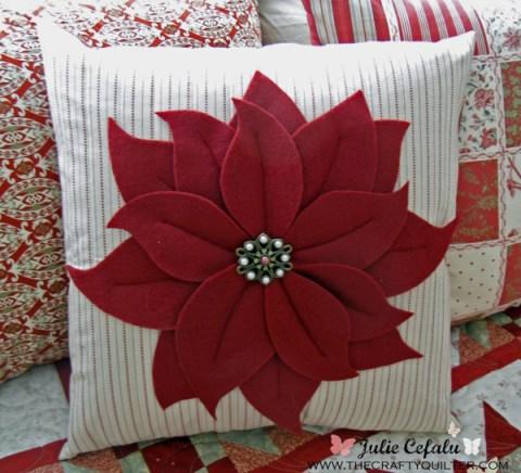 Christmas poinsettia pillow tutorial