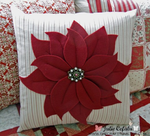 Christmas poinsettia pillow tutorial